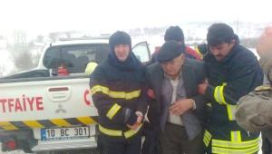 Kar ve Fırtına Yolcu Otobüsünü Devirdi: 4 Yaralı