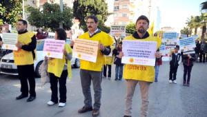 Antalya'da Öğretmenler 'Laik ve Bilimsel Eğitim' İçin Yürüdü