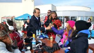 Başkan Ekici 14 Şubat Sevgililer Gününü Erciyes'te Kutladı