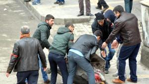 Öcalan'ın Yakalanışını Diyarbakır'da 25 Bin Kişi Protesto Etti