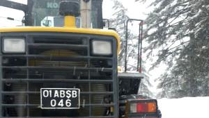 Büyükşehir, İlçelere Bağlı Köylerde Kardan Kapanan Yolları Açıyor