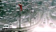 İstanbul'a Kar Yağdı Hayat Felç Oldu