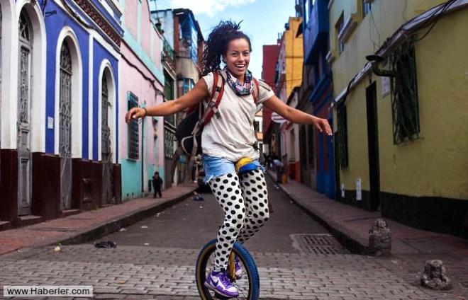 Romanyalı Fotoğrafçının Gözünden 37 Ülke, 37 Kadın