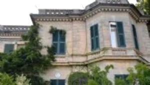 Eto'o, Lanetli Villa'yı Satın Aldı