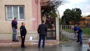 Pavyon Afişleri Asanlara Uzun Namlulu Silahlarla Saldırı