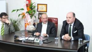 Cihan Saraç Akyazı ve Karasu İlçe Teşkilatlarını Ziyaret Etti