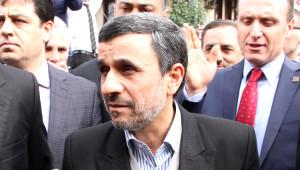 Ulu Camii'nde Ahmedinejad İzdihamı