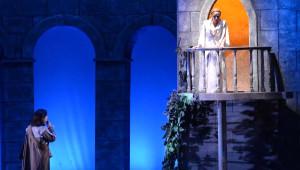 Romeo ile Juliet Büyüledi