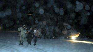 Donmak Üzere Olan Suriyelileri Mehmetçik Helikopterle Kurtardı