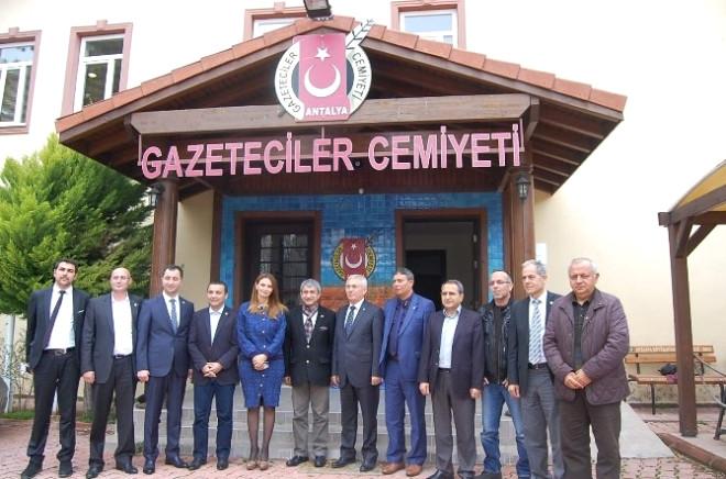 Azeri Milletvekili Pashayeva, Antalya Gazeteciler Cemiyetini Ziyaret Eti