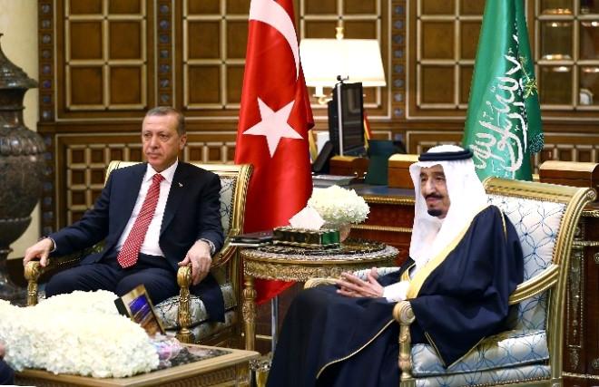 Erdoğan, Kral Selman ile Sarayda Baş Başa Görüştü