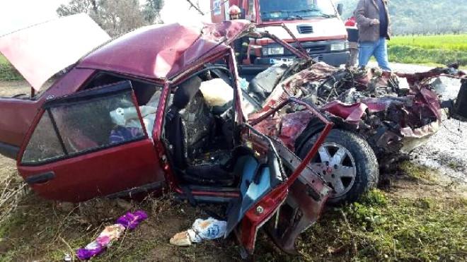 Kamyonla Otomobil Çarpıştı: 1 Ölü, 2 Yaralı