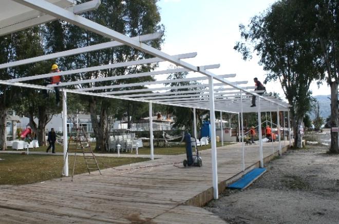 Marmaris'te Projeye Aykırı Turistlik İşletmeler Yıkılıyor