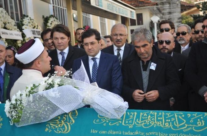 Ünlü Diyetisyen Yelda Kahvecioğlu'na Gözü Yaşlı Veda