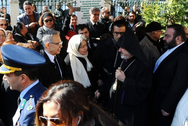 Yaşar Kemal'e Alkışlı Veda