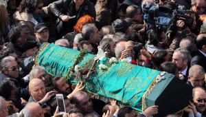 Yaşar Kemal'in Cenazesinden Çıkanlar Mezarlığı Yürüydü