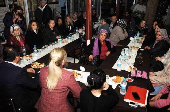 AK Parti'nin Kadın Aday Adayından 'Noter' Tasdikli Proje