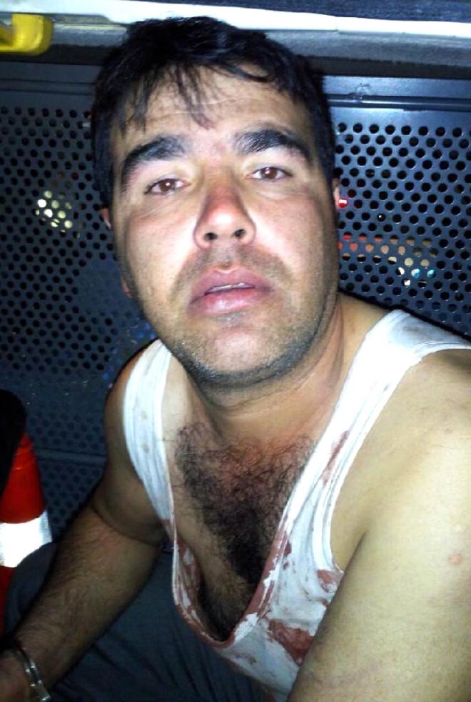 Eşi, Çocukları ve Arkadaşını Rehin Alıp Bıçakla Yaraladı