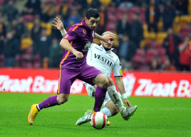 Galatasaray: 2 - Manisaspor: 0 (İlk Yarı)