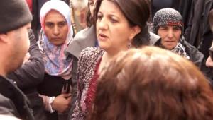 Iğdır Pervin Buldan, Polisle Öcalan Posteri Yüzünden Tartıştı