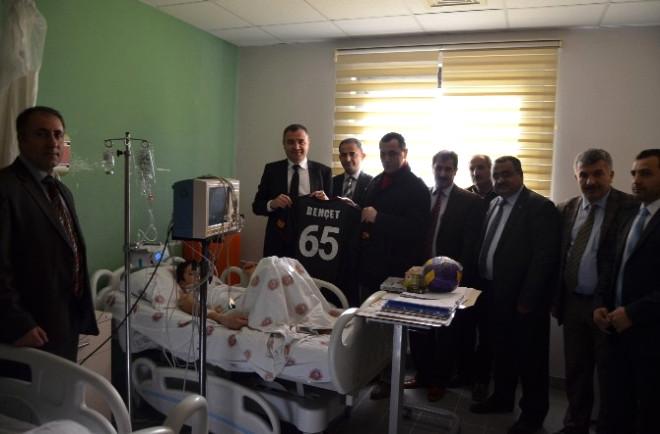 Kaymakam Sarı Hastanede Eğitim Gören Hasta Öğrencileri Ziyaret Etti