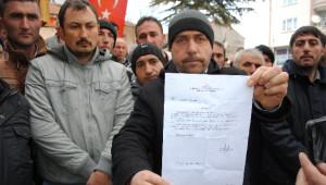 Gümüşhacıköy Belediyesi'nde İşten Çıkartılan İşçilerden Eylem