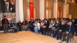 Görme Engelli Milletvekili Öğrencilerle Buluştu