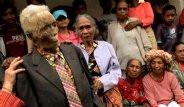 Endonezya'da Ölülerin Üstlerini Değiştiriyorlar