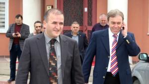 AK Parti'li Vural Kavuncu ve Başkanlar Kaza Yaptı