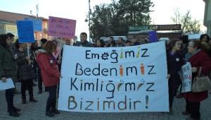 Varto'da Eğitim-sen Kadın Komisyonu, Kadın Cinayetlerini Protesto Etti