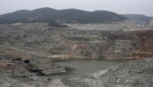 Kömür Nedeniyle Ev ve Tarlalarından Olan Köylülerden Protesto
