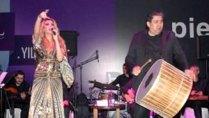 Petek Dinçöz, İbrahim Tatlıses'in Orkestrasıyla Coşturdu