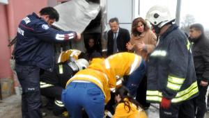 Aile ve Sosyal Politikalar Müdürlüğü'nün Engelli Asansörü Düştü: 1 Yaralı