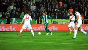 Bursaspor: 2 - Balıkesirspor: 2 (İlk Yarı)