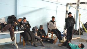 Kaçak Gemisine El Kondu; 337 Kişiye Halk Yardım Yağdırdı (2)