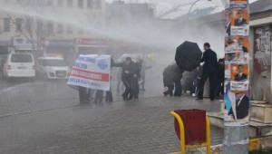 Muş'ta Eylemcilere Polis Müdahalesi
