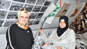 Suriyeli Kadınlar Belediye Başkanın Eşi Ayşe Nur Ayhan'ı Ağırladı