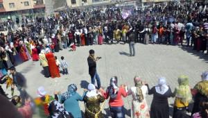 Adilcevaz'da Nevruz Kutlamaları