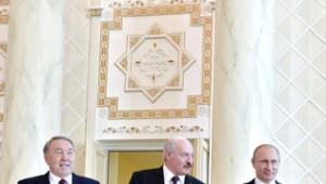 Putin'den Avrasya'da Parasal Birlik Önerisi