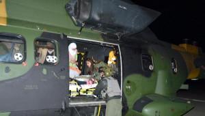 Hamile Kadın, Yolu Kardan Kapanan Köyden Gece Askeri Helikopterle Alındı
