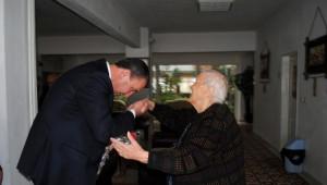 Başkan Işık, Yaşlılar Haftası'nı Kutladı
