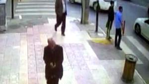 Bulduğu Paranın Sahibine Güvenlik Kamera Görüntüsünden Ulaştı
