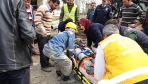 Sakarya'da Kanalizasyon Çalışmasında Göçük: 2 Yaralı