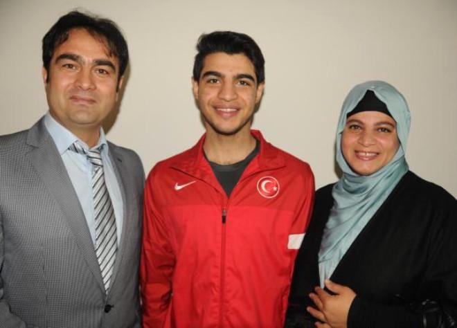 Şampiyon Taekwondocu Aile