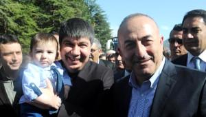 Bakan Çavuşoğlu, Sular Altındaki Elmalı'da Sulama Sistemi Açtı
