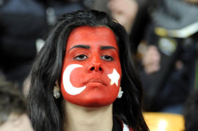 Hollanda: 0 - Türkiye: 1 (İlk Yarı)