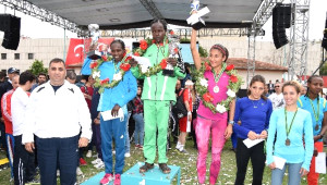 Maraton Coşkusu Emre Aydın Konseri ile Son Buldu