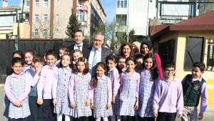 Öğrencilerden Başkan Aydın'a Sevgi Seli
