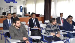 Rektörü Güvenç Karatekin Üniversitesinde Öğrenci Oldu