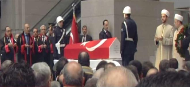 Şehit Savcı Mehmet Kiraz'ın Cenaze Töreninden Görüntüler